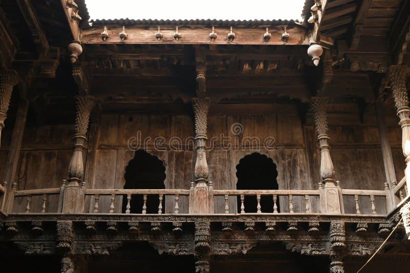结构木工作和沉重雕刻了木成员Palashikar wada,Palashi,艾哈迈德讷格尔 库存照片