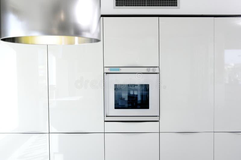 结构详细资料厨房现代烤箱白色 免版税库存照片