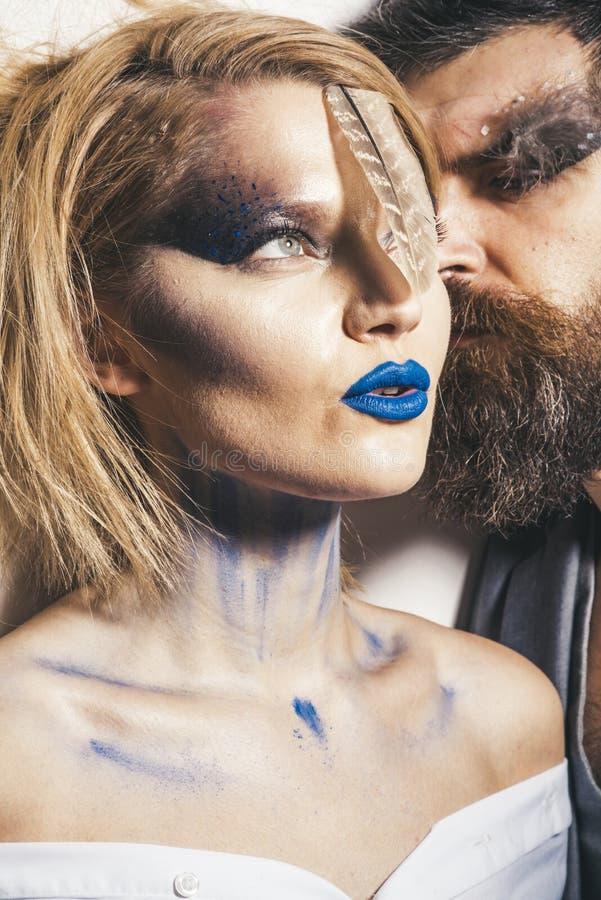绘党 妇女和人有艺术构成的油漆的集会 在为油漆党称呼的爱的夫妇 绘党和 图库摄影