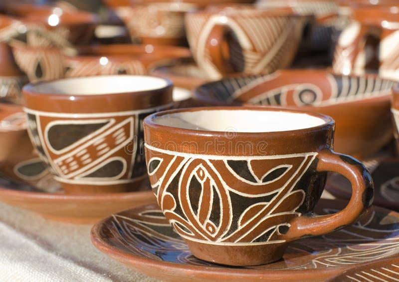 给上釉的陶瓷杯子 图库摄影