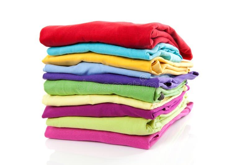 给五颜六色的堆穿衣 免版税图库摄影