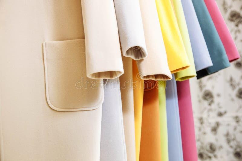 给版权穿衣的品牌没有对象存储 五颜六色的秋天外套 免版税库存图片