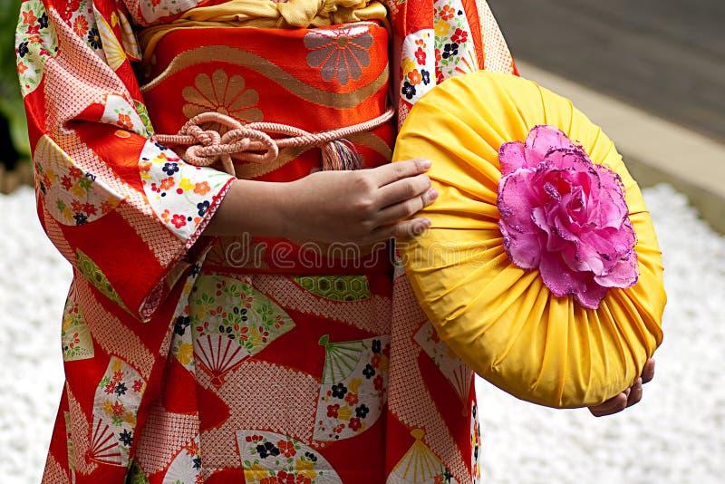 给穿衣的日本传统 免版税库存图片