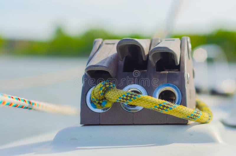 绳索和块在风船 免版税库存照片