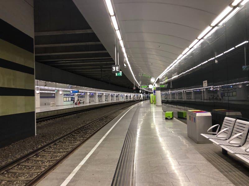 维也纳市机场火车CAT在韦恩米特区驻地位于的调动终端在维也纳,奥地利 免版税库存图片