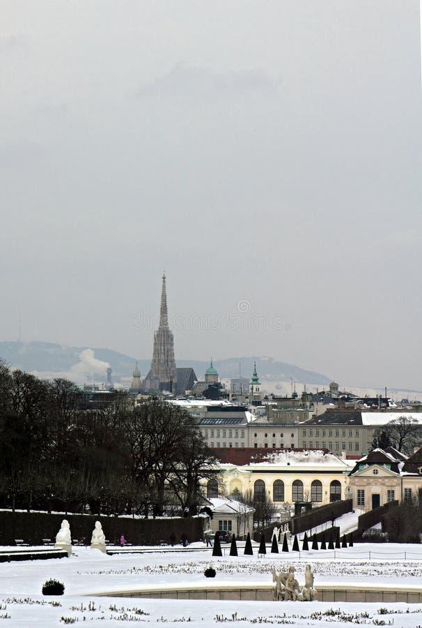 维也纳看法从贝尔维德雷宫的在一个冬日 库存照片
