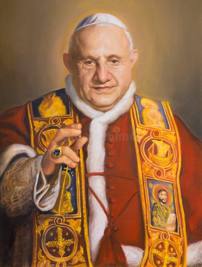 维也纳,奥地利- 2014年7月30日:圣约翰画象XXIII在教会Karlskirche查尔斯Borromeo里克莱门斯Fuchs 2014年 库存图片