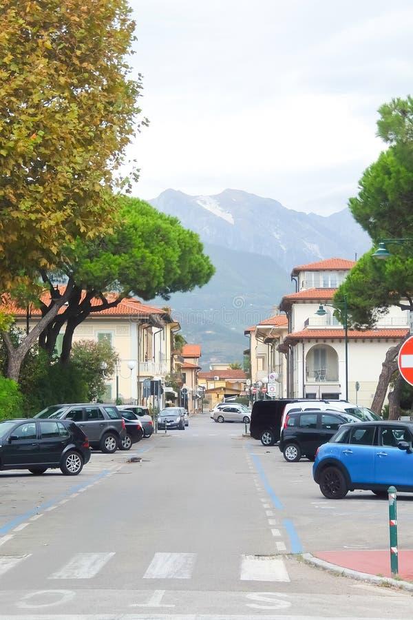 维亚雷焦,小镇街道在托斯卡纳北部,意大利 免版税库存照片