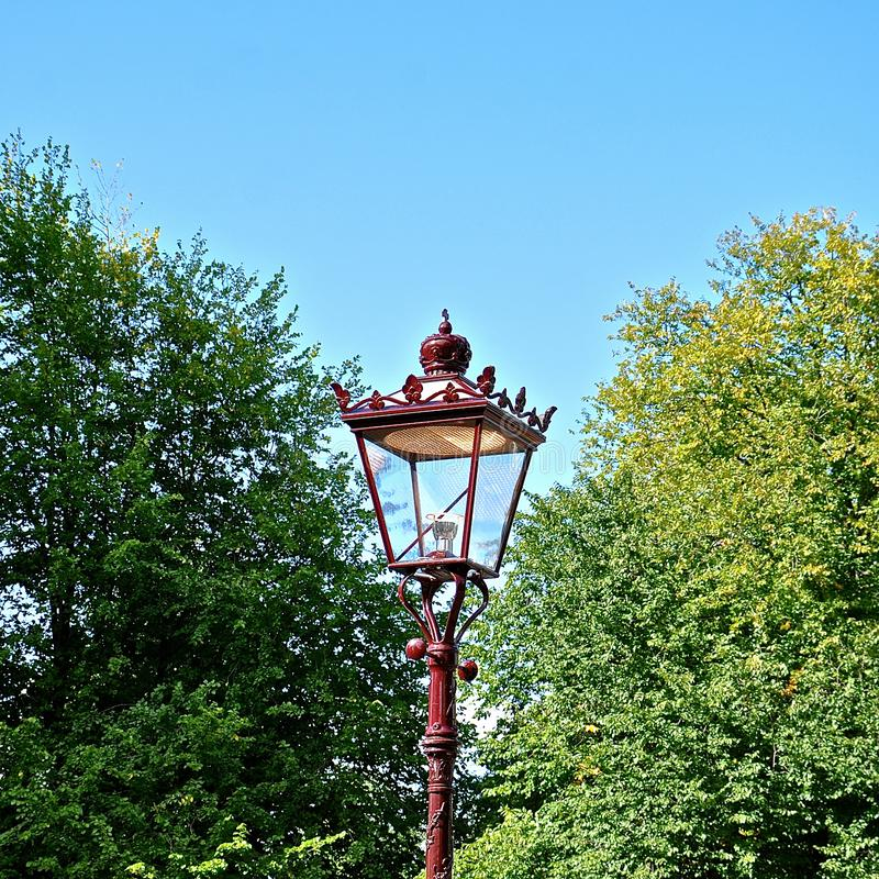 维多利亚女王时代的样式铁街灯 图库摄影