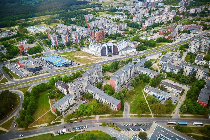 维尔纽斯被采取的形式电视塔住宅区鸟瞰图  免版税库存图片