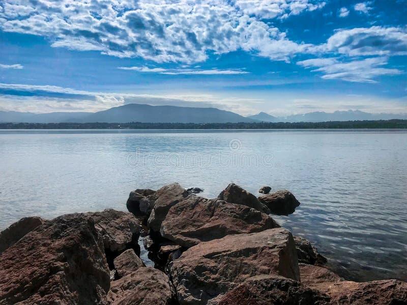 维尔苏瓦莱曼湖的美丽一天 免版税库存图片