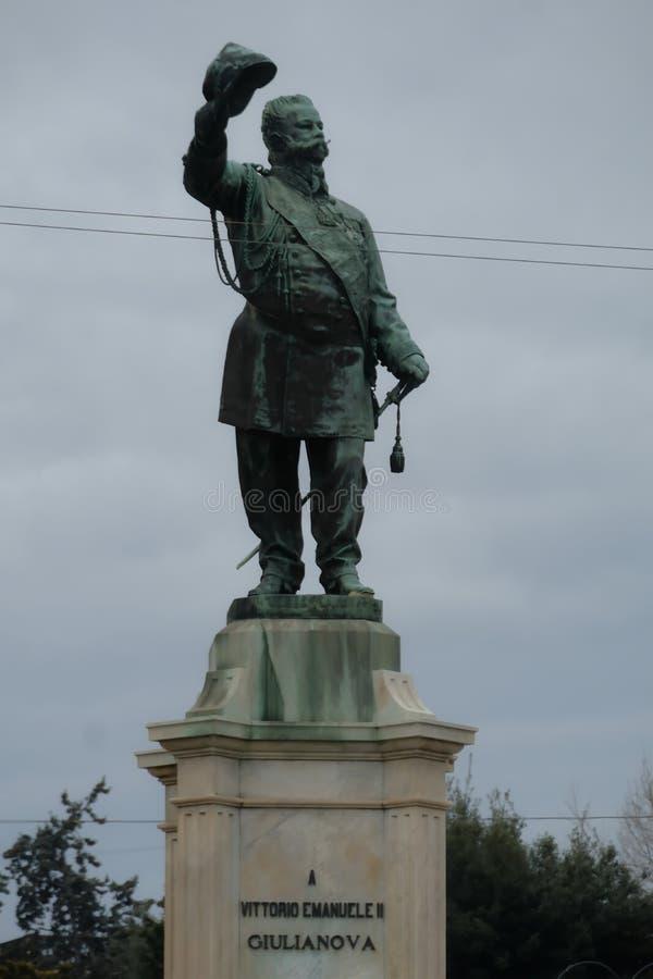 维托里奥Emanuele II纪念碑,朱利亚诺瓦,阿布鲁佐,意大利 库存照片