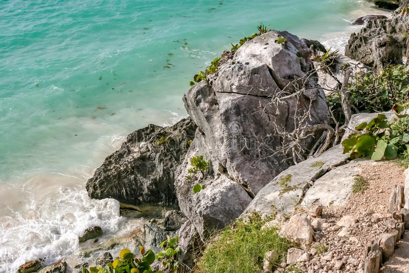 绿松石海和狂放的海滩在Tulum 库存图片