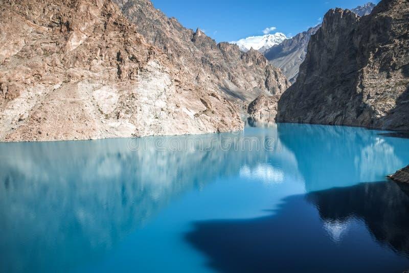 绿松石Gojal谷的,汉萨Attabad湖 baltistan的基尔吉特,巴基斯坦 免版税图库摄影