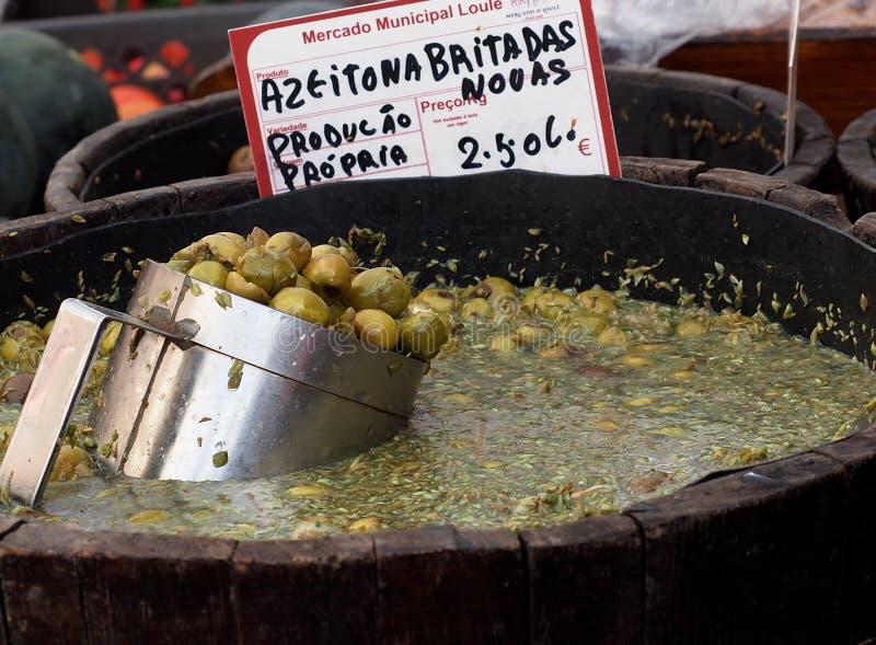 绿橄榄待售在Loule葡萄牙 库存照片