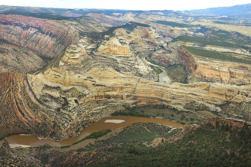 绿河乐队形成的被折叠的峡谷的特写镜头,恐龙 库存照片