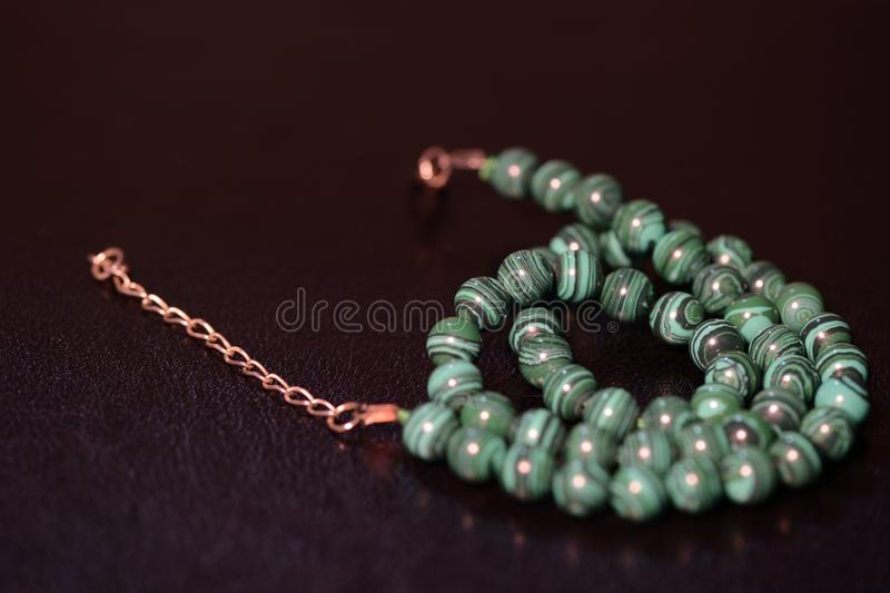 绿沸铜小珠绿色项链  库存图片
