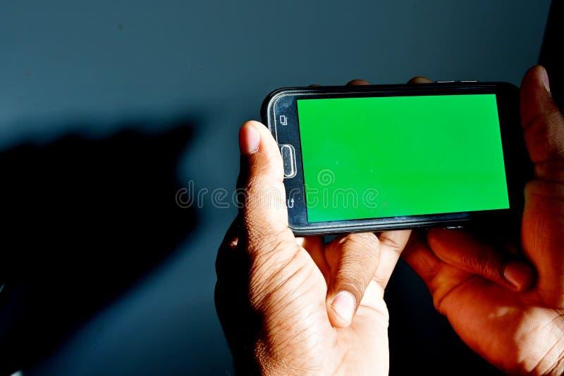 绿色使用的屏幕准备好背景作为背景或模板在网络设计 免版税库存照片