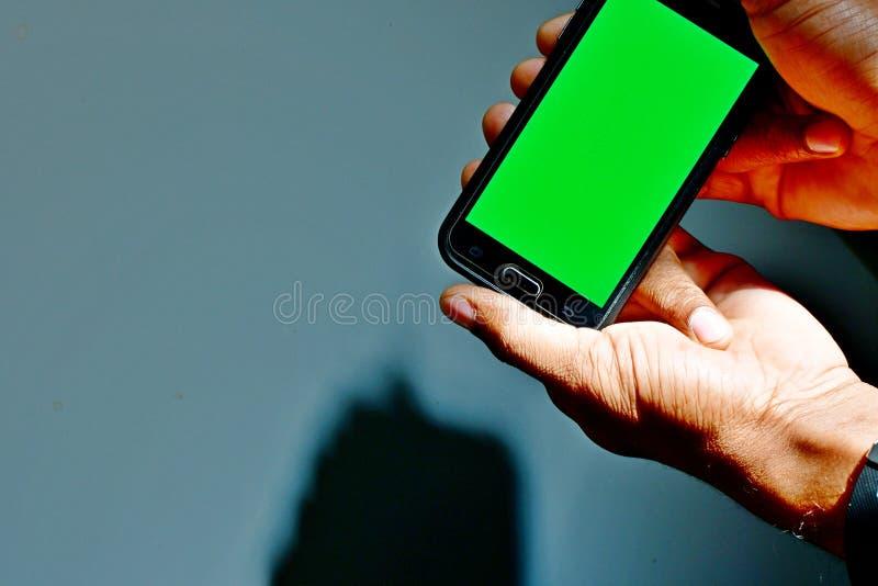 绿色使用的屏幕准备好背景作为背景或模板在网络设计 库存图片