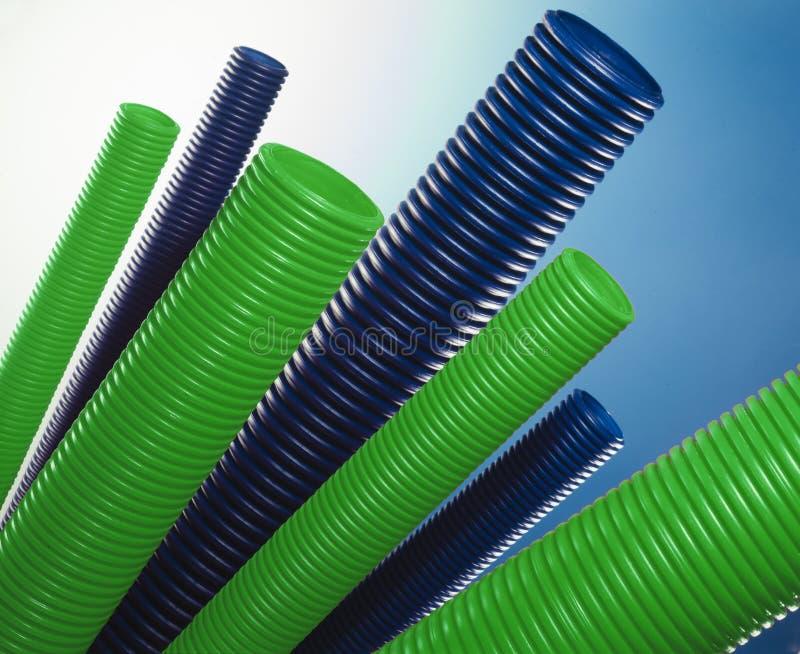 绿色和蓝色塑料管 库存照片