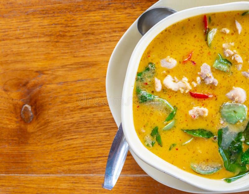 绿色咖喱,康Khew whan与鸡著名和非常可口泰国食物 库存图片