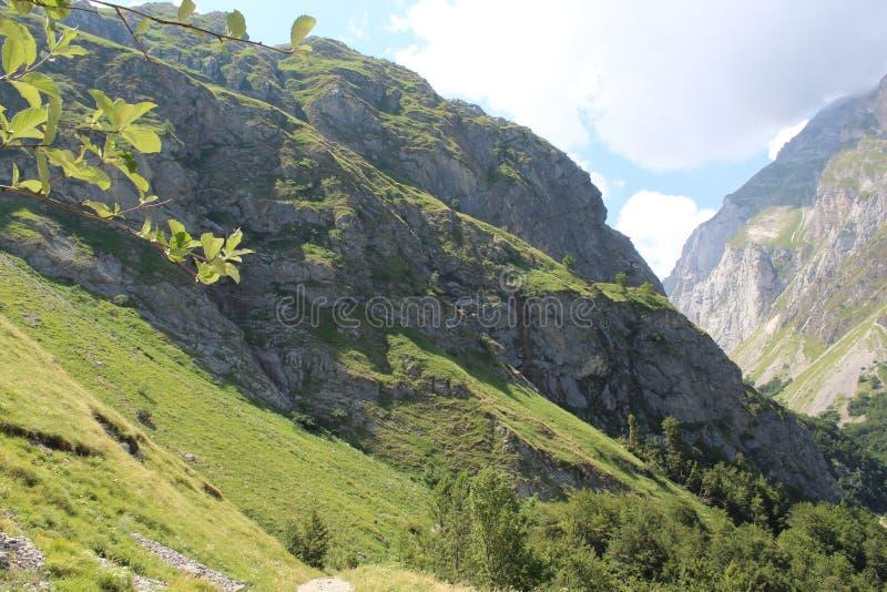 绿色壮观的山,Gran Sasso国际性组织公园,阿布鲁佐,意大利 免版税库存图片