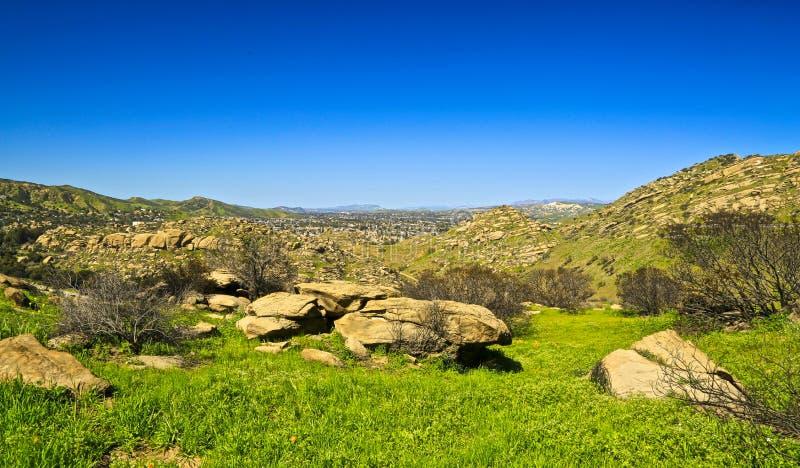 绿色山加利福尼亚春天 免版税库存图片