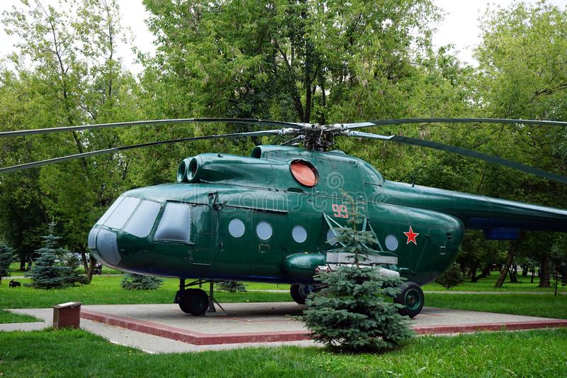 绿色直升机 免版税库存照片