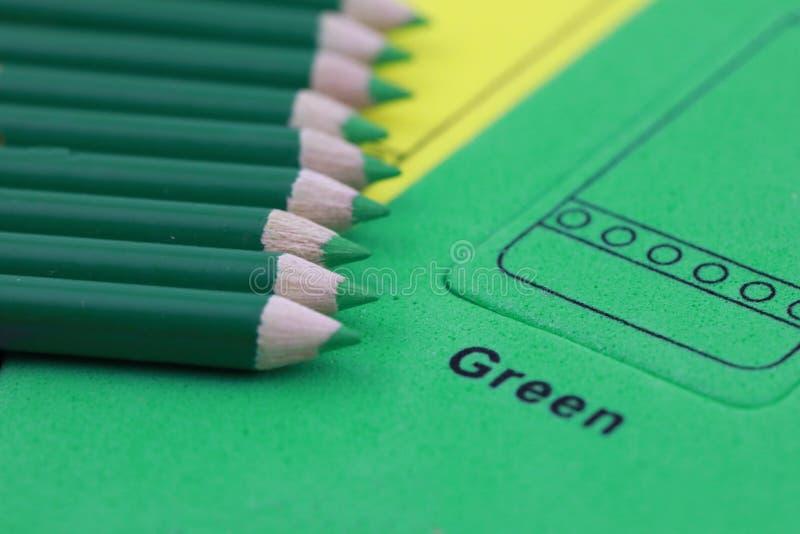 绿色铅笔蜡笔 免版税库存图片