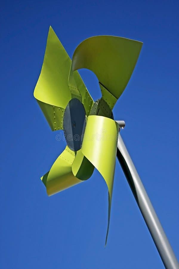 绿色风车 免版税库存照片