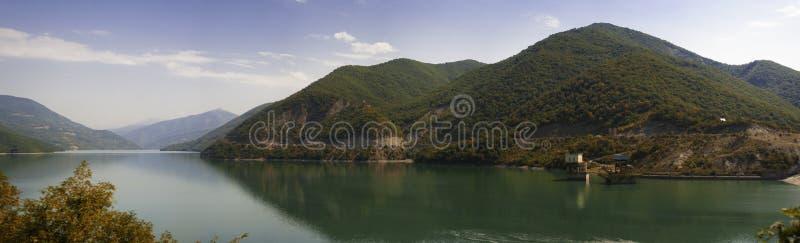 绿色高加索山脉全景风景在乔治亚 免版税图库摄影