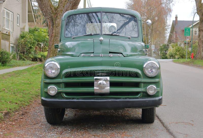 绿色1941推托法戈卡车 免版税库存图片