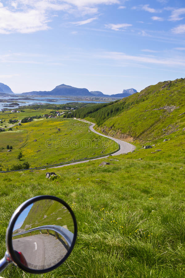 Download 绿色lofoten 库存照片. 图片 包括有 全景, 后方, 视图, 海运, 天空, 风景, 村庄, 群岛 - 22350082