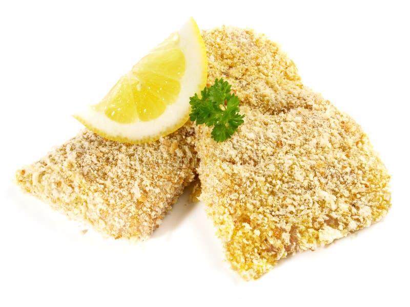 绿鳕鱼未加工在面包渣涂层 免版税图库摄影