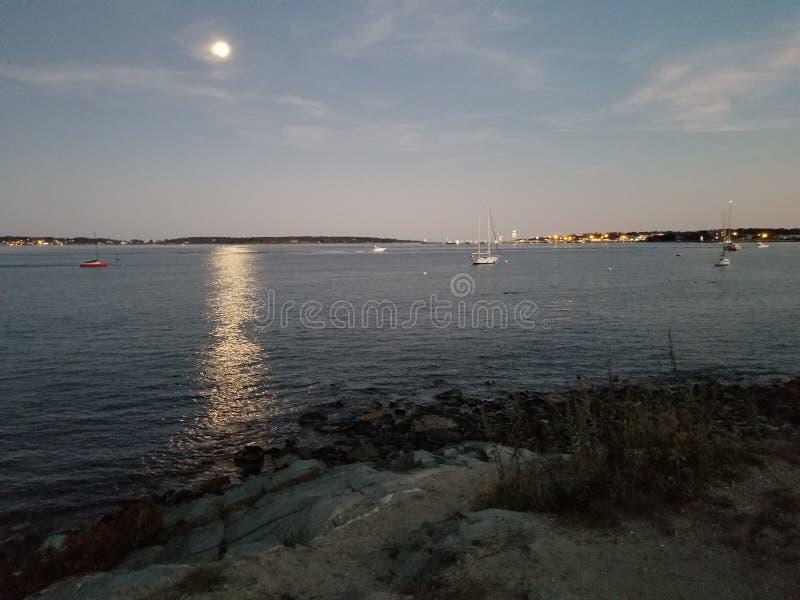缅因的月亮 免版税库存照片