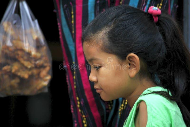 缅甸女孩的眼睛 库存照片