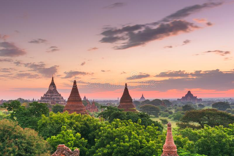 缅甸巴干考古区寺庙 免版税库存照片