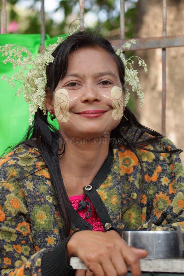 从缅甸的少妇 库存照片