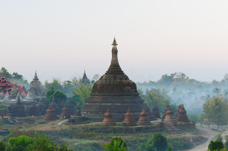 缅甸mrauk缅甸paya ratanabon u 库存照片