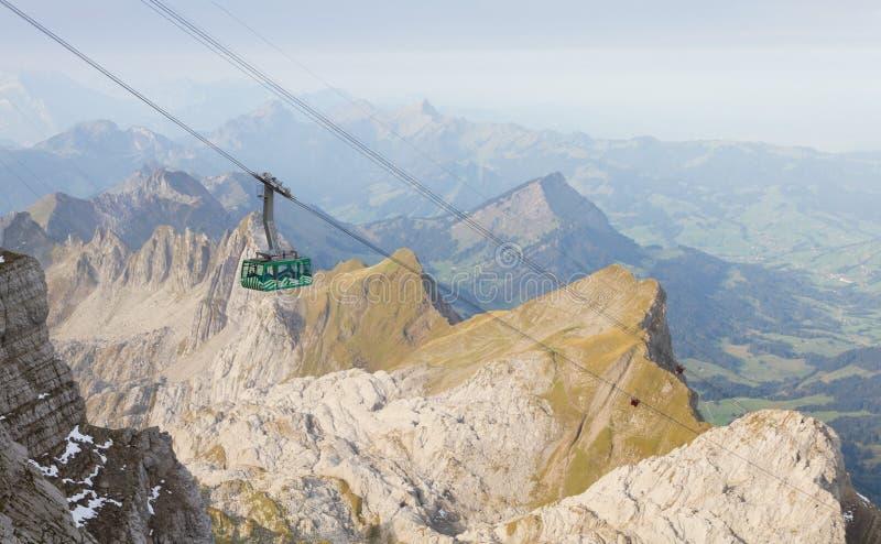 缆车在瑞士 图库摄影