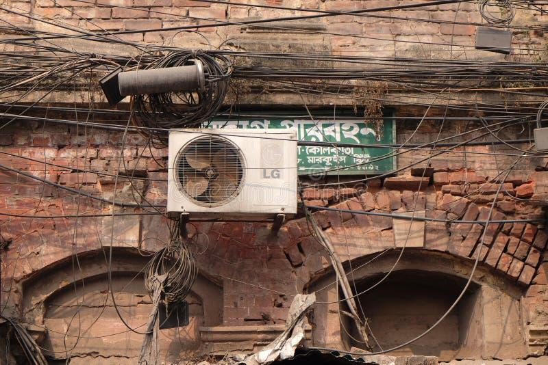 缆绳和导线在加尔各答 库存照片