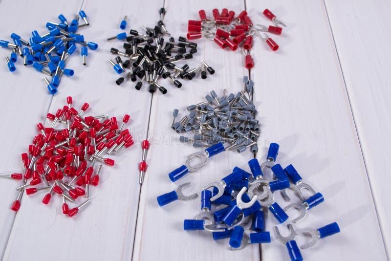 缆绳把手用不同的颜色和大小 免版税图库摄影