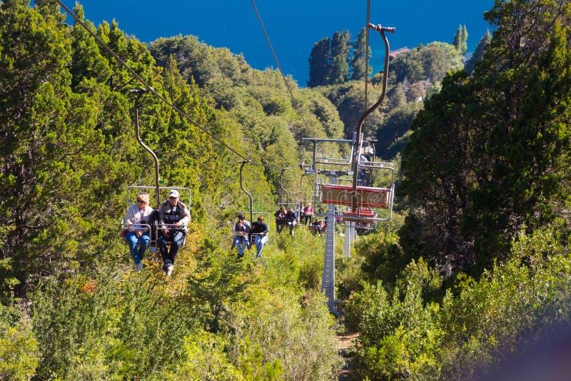 缆索铁路对塞罗坎帕纳里奥峰山,巴里洛切 库存图片
