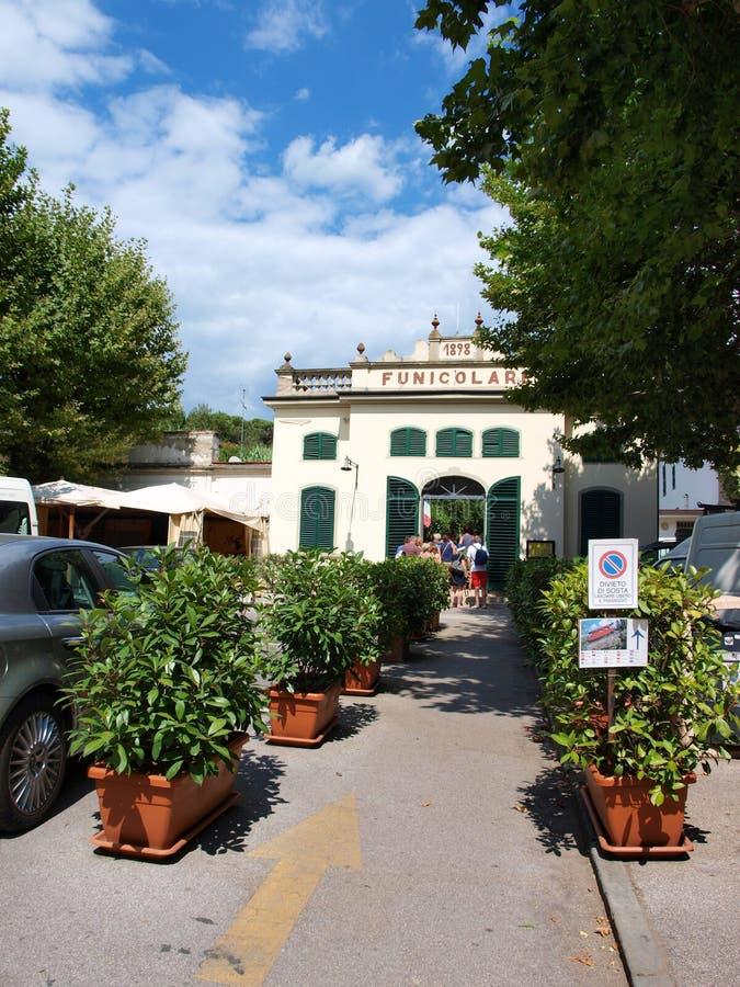 缆索铁路,蒙泰卡蒂尼泰尔梅,意大利 库存照片
