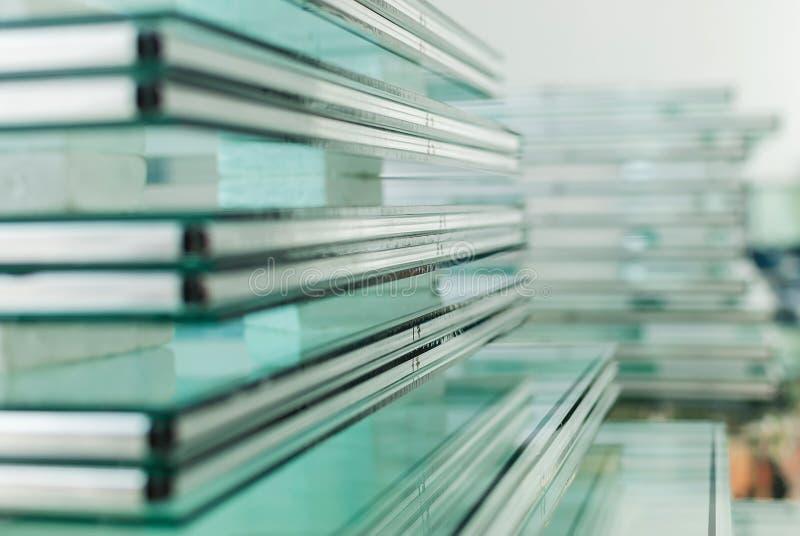 缓和玻璃窗板料  库存图片