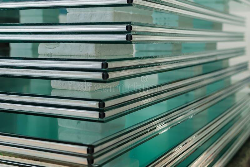 缓和玻璃窗板料  免版税库存照片