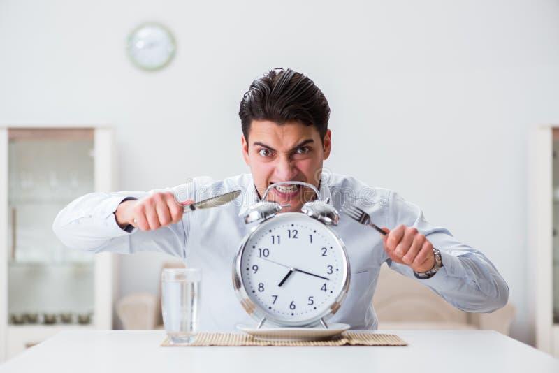 缓慢的服务的概念在餐馆 免版税库存照片
