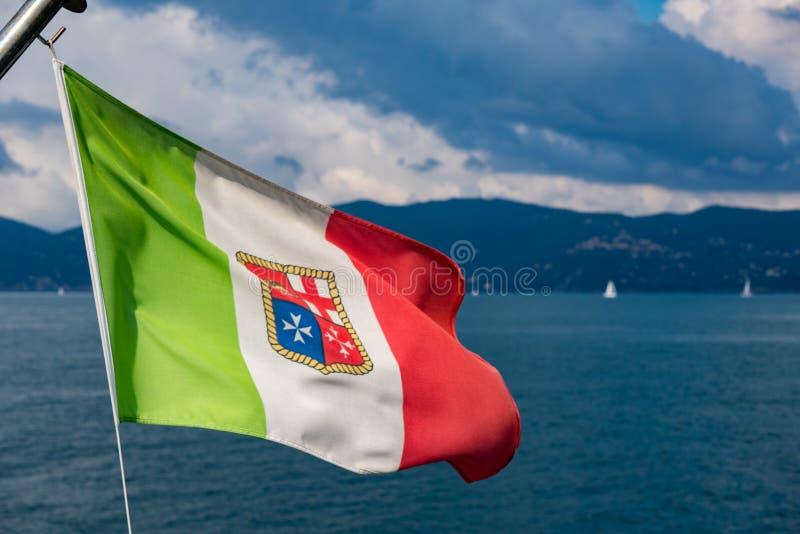 编织在海的意大利海洋旗子 库存照片