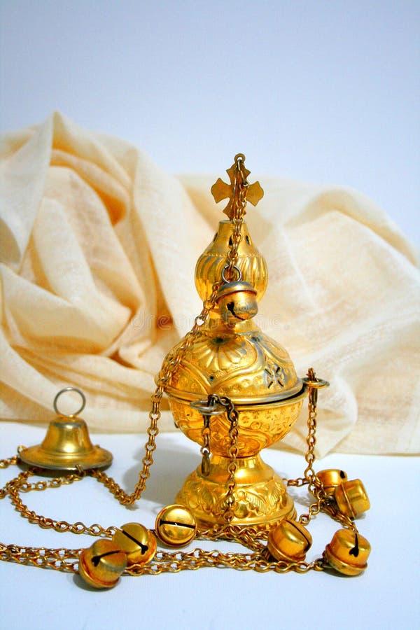 编钟蜡烛香炉金教会拜占庭式的天主教徒 图库摄影