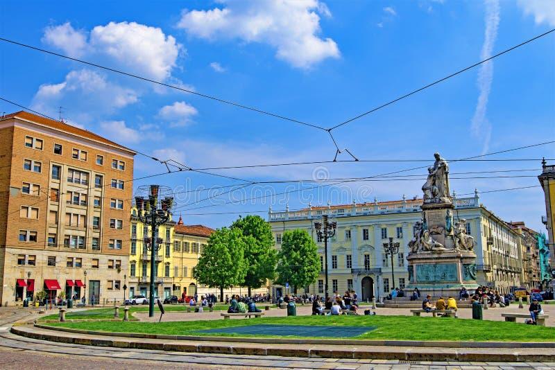缚住3,都灵,利古里亚,意大利的都灵大阳台和电车 免版税库存图片